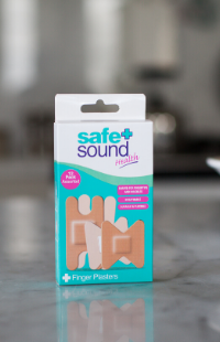 Cover cuts and wounds on the fingers and knuckles with Safe and Sound Health's Finger and Knuckle Plasters